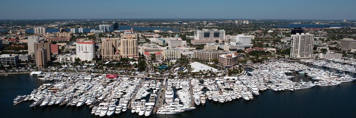 Traffic Remains After Boat Show Palm